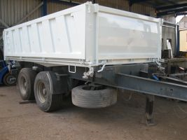 povrchová úprava kovu kontejneru